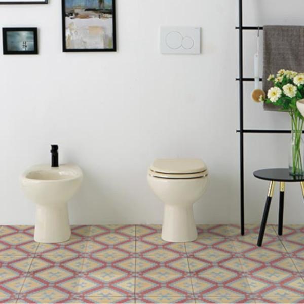 Sanitari tradizionali champagne opera young scarico a pavimento in ceramica con coprivaso slim soft